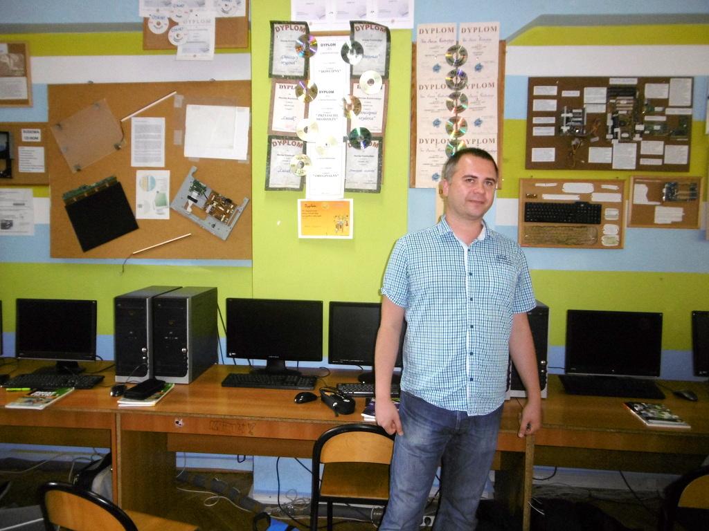 marcin-kisielewski-nauczyciel-fizyki-i-informatyki-koordynator-projektu-programowania-za-pomoca-jezyka-scratch-w-zsi-w-slupsku