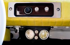 Fiat126p TomaHanksa wnetrze 07
